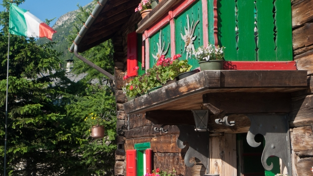 Log-built house in Livigno (Lombardia)