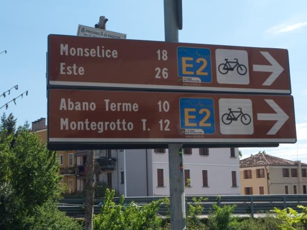 Veneto cycleway signs