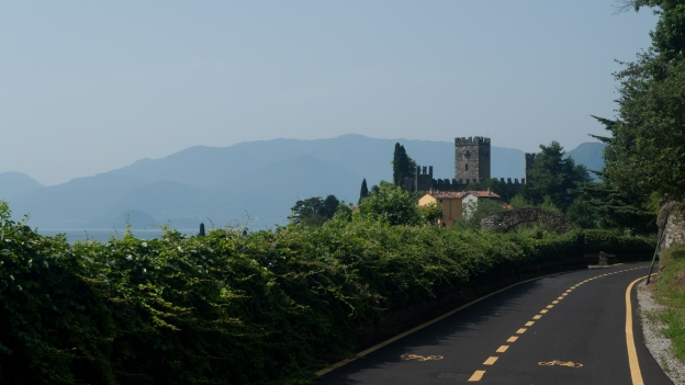 Cycleway by the Lago di Como (Lombardia)