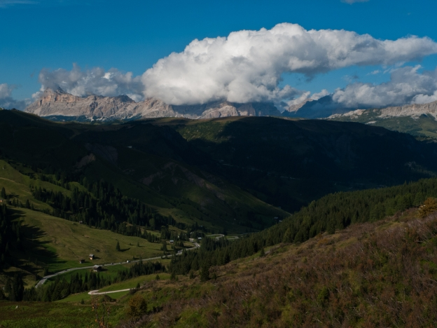 Sella Ronda - the road to the Passo Pordoi