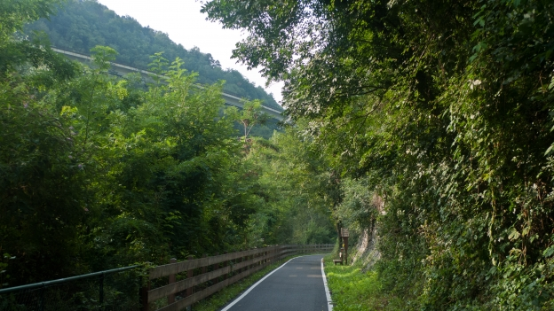 Cycleway in the Südtirol near Brixen (Bressanone)