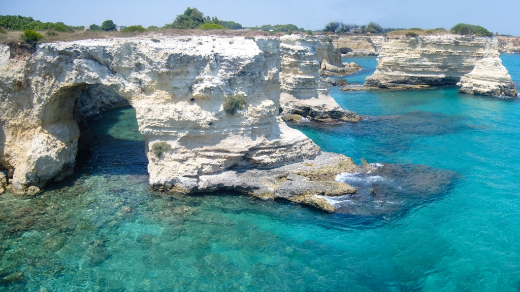 Torre San'Andrea - Salento coast near Lecce (Puglia). Source: Source Wikimedia Commons