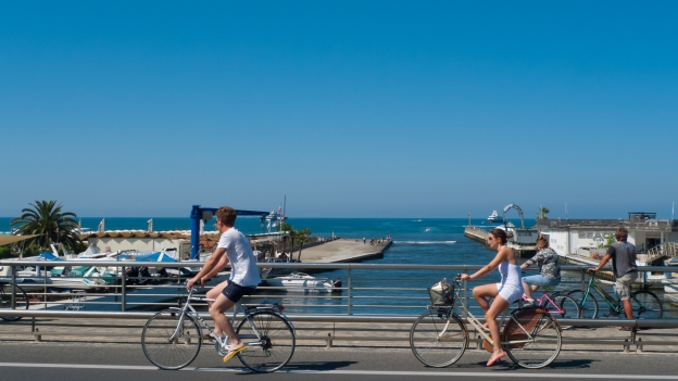 Toscana - beachfront cycleway near Marina di Massa