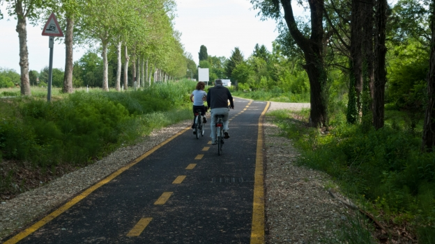 Cycleway near Aquileia (Friuli-Venezia Giulia)