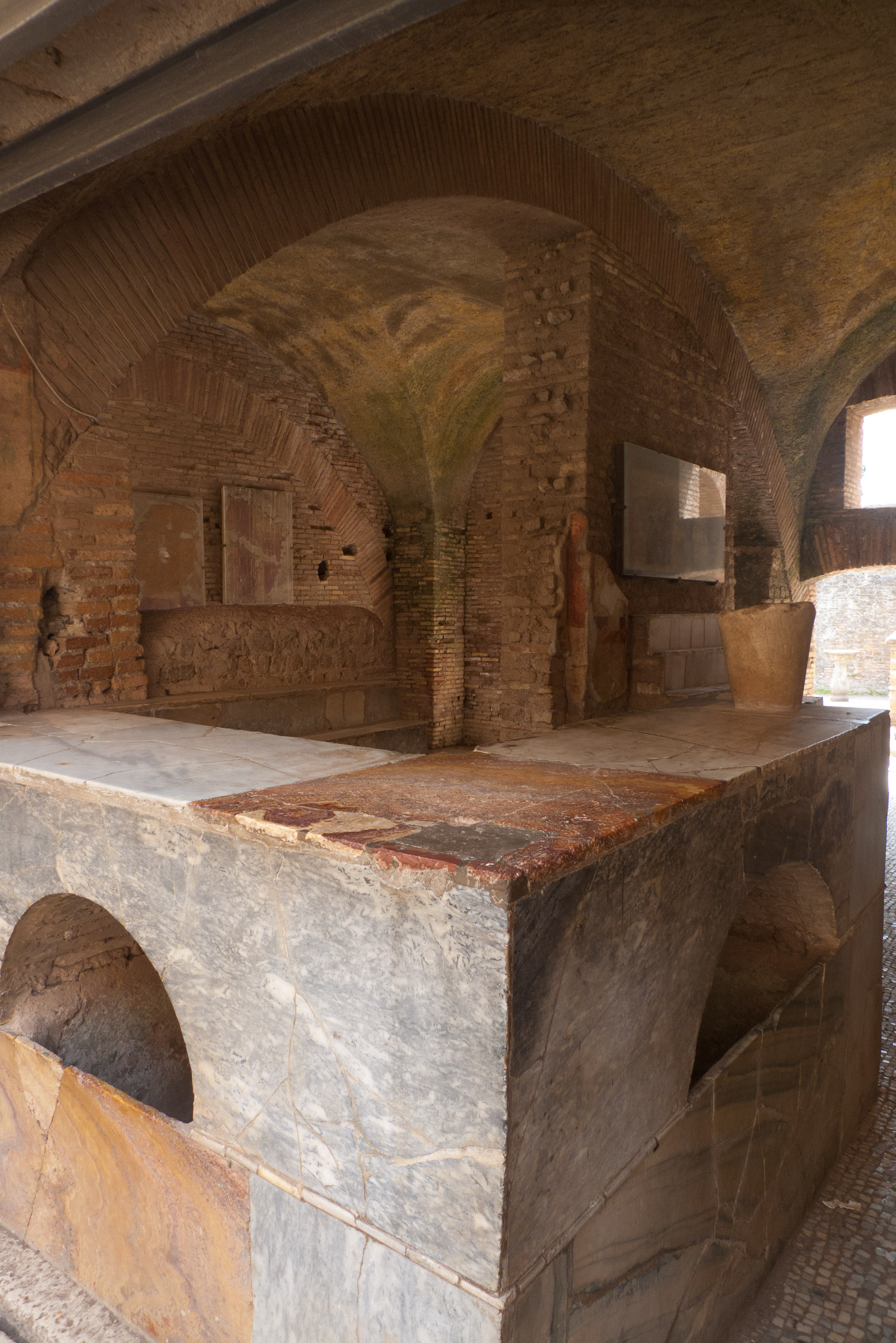 Ostica Antica - the Thermopolium