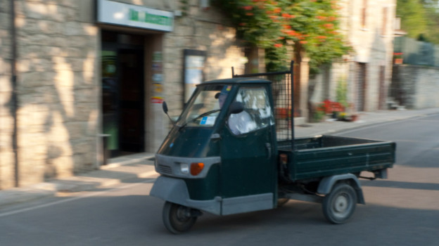 Apecar in a village in the Apennines