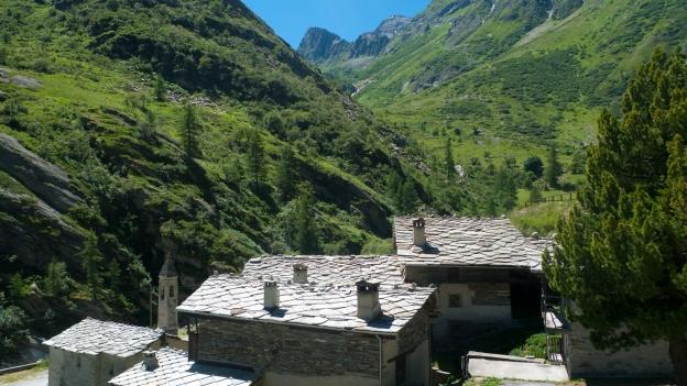 The Val Varaita: Bellino - Borgata Sant'Anna
