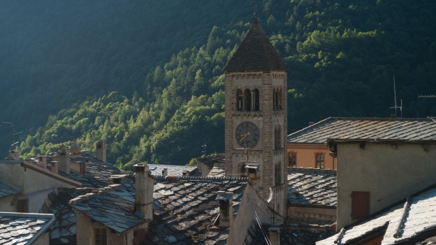 Church tower and rooftops of Exilles (Isiya)