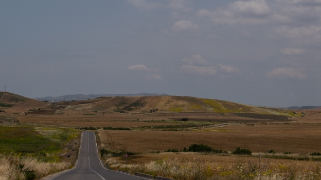 Inland Sicilia: the SP83  near Gela