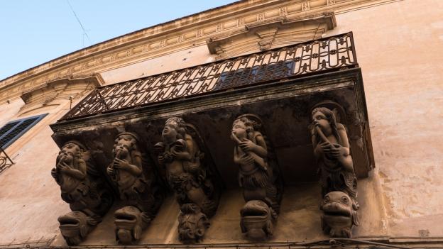 Modica: baroque balconies