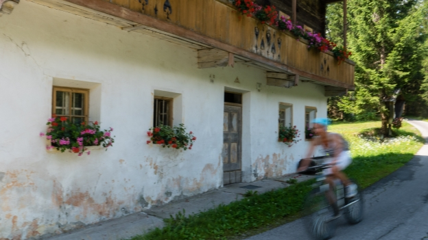 Cyclist on the Drauradweg (Ciclabile della Drava) between Toblach and Lienz