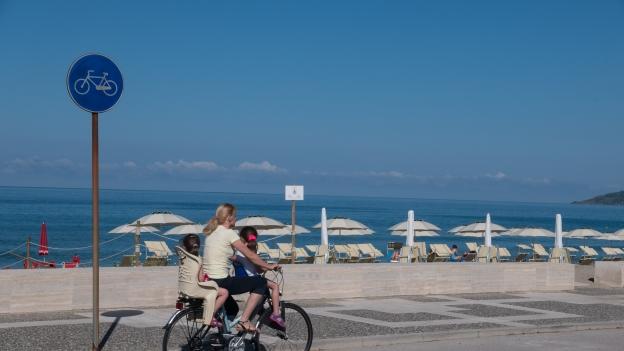 Marina di Ascea (Campania): cycleway along the lungomare