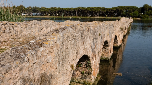 Fertilia: Roman bridge across the Calik laguna