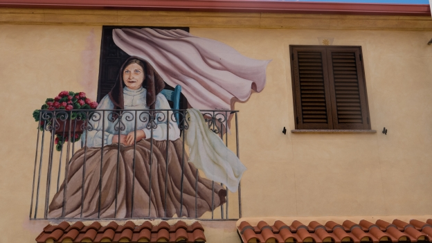Mural in Tinnura. Artist: Pina Monne