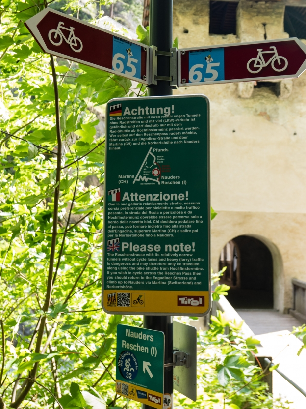 Sign at the Altfinstermünz warning about the Reschenpass