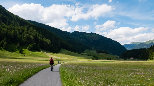 Cyclists on the Via Claudia near Graun im Vinschgau