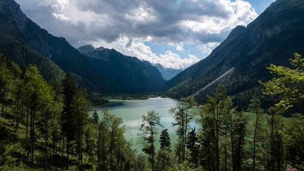 The Lago del Predil - descending from the border