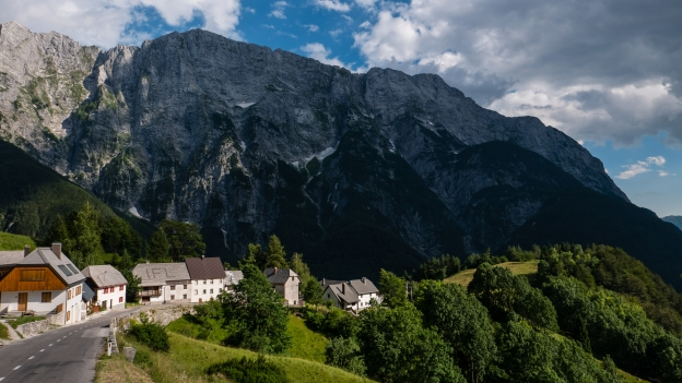 Strmec na Predelu and the road to Bovec