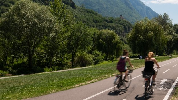 Cyclists on the Brennerradroute as it passes through Bozen (Bolzano)