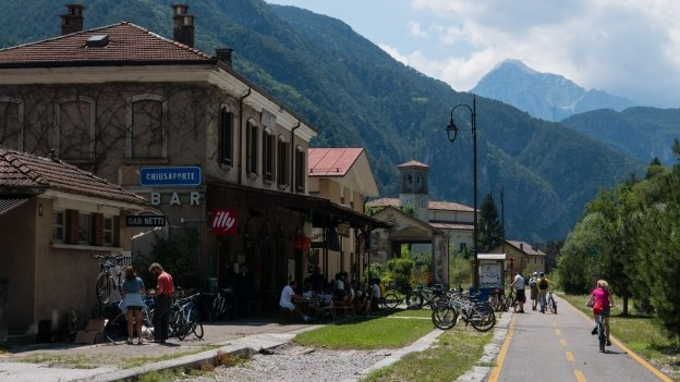 The Ciclovia Alpe Adria Radweg (FVG1) approaching the old station at Chiusaforte