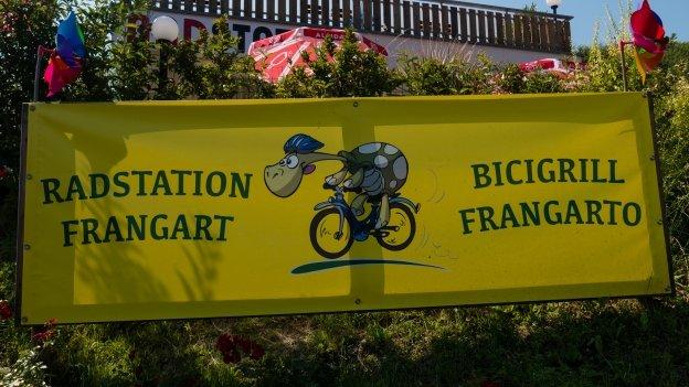Sign for the Radstation Frangart (Bicigrill Frangart) on the Südtirol Radweg near Sigmundskron (Ponte d'Adige)