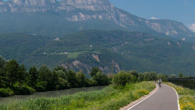 Cycleway beside the Etsch (Adige) near Sigmundskron