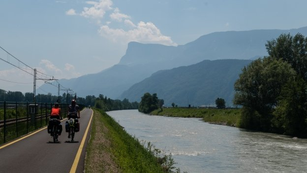 Cyclists on the Etschradroute (Adige cycleway) near Burgstall (Postal)
