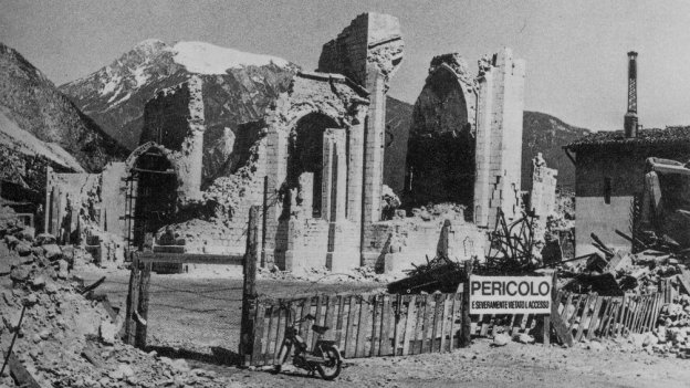 The Duomo di Venzone after the September 1976 earthquakes