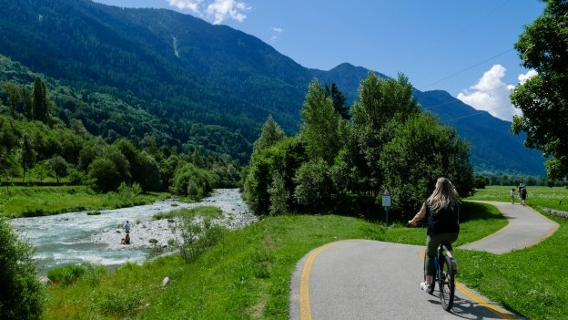 Cyclists on the Val Rendena ciclopedonale